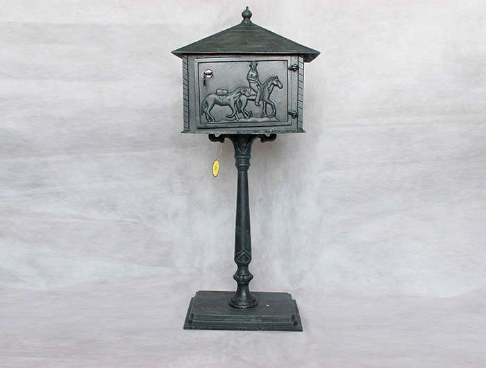 Cast Iron Mail Box AI15571